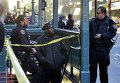 Полицейский Нью-Йорка на месте стрельбы в Манхэттене