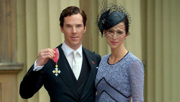 Актер Бенедикт Камбербэтч получил орден Британской империи. На фото -  с супругой Софией, также актрисой