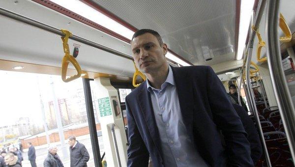 Кличко протестировал новый трамвай Электрон