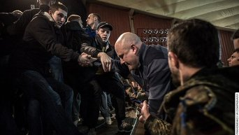 Драка на общественных слушаниях в Харькове