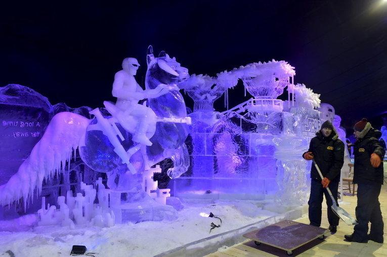 Фестиваль скульптур изо льда во Льеже, Бельгия