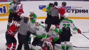 Драка во время хоккейного матча между донецким Донбассом и киевским Рапидом. Видео