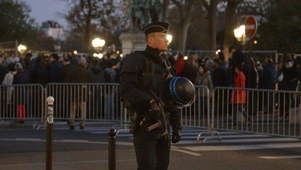 Сотрудник французской полиции