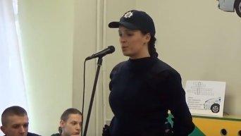 Девушка-полицейский исполнила песню Владимира Ивасюка. Видео