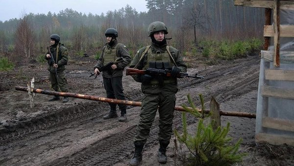 Национальная гвардия охраняет лес от добытчиков янтаря. Архивное фото