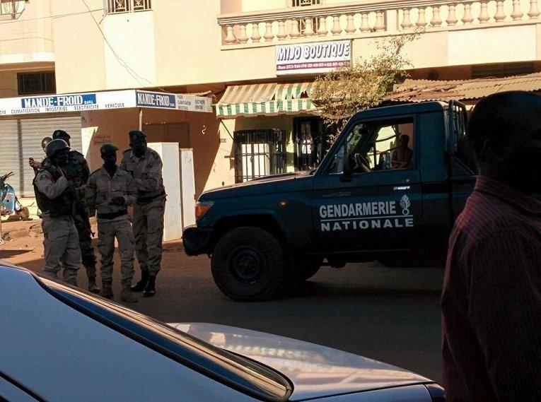 На месте захвата заложников в отеле Radisson Hotel Bamako в столице Мали