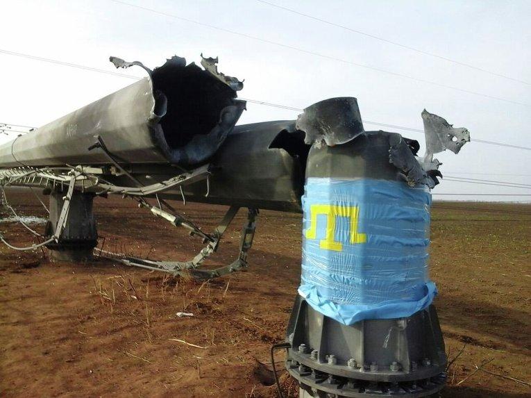 На месте взрыва опор ЛЭП в Херсонской области