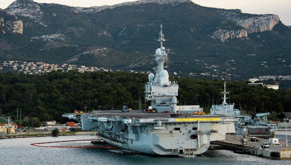 Авианосец ВМС Франции Шарль де Голль. Архивное фото