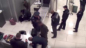 Изъятие гранаты у жителя Донбасса в столичном аэропорту. Видео