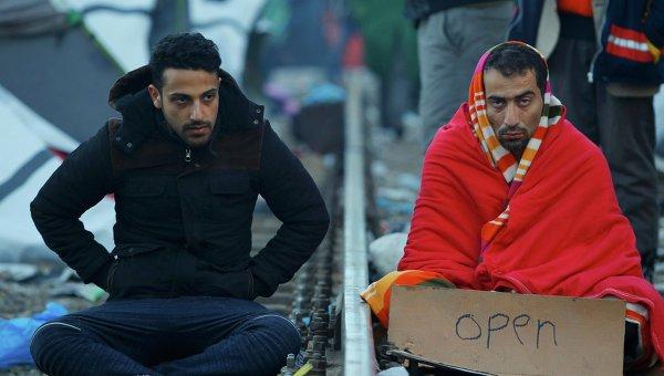 Мигранты на границе Македонии и Греции. Архивное фото
