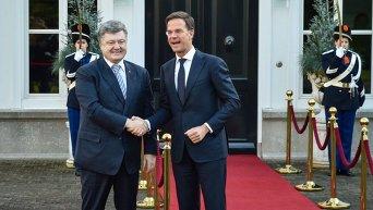 Петр Порошенко и премьер-министр Нидерландов Марк Рютте. Архивное фото