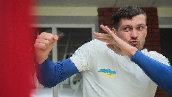 Усик и Беринчик провели тренировку в преддверии поединков