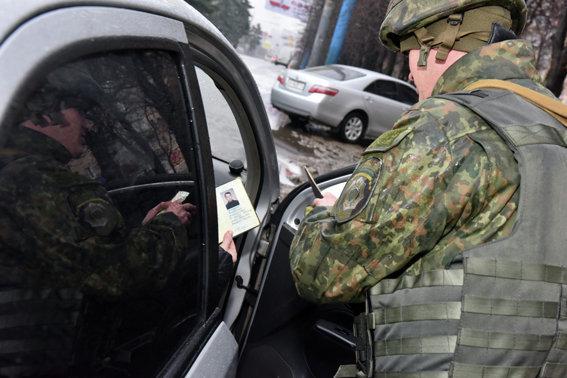 Работа полиции в Мариуполе и Красноармейске