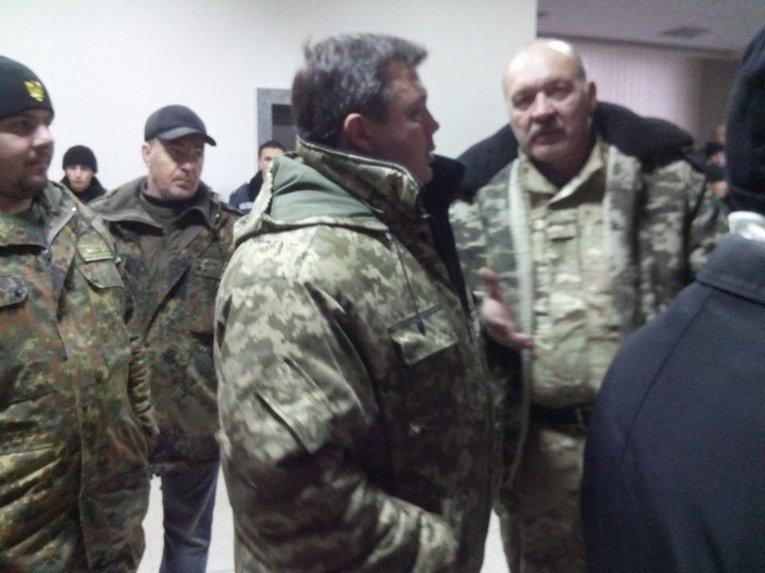 Народный депутат Семен Семенченко на месте столкновений в горсовете Кривого Рога