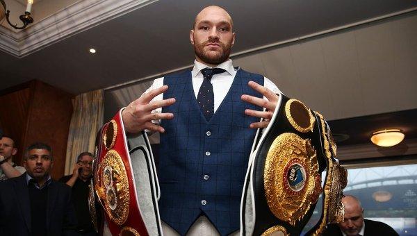 Абсолютный чемпион по боксу по версии WBA, IBF, WBO и IBO в супертяжелом весе Тайсон Фьюри.