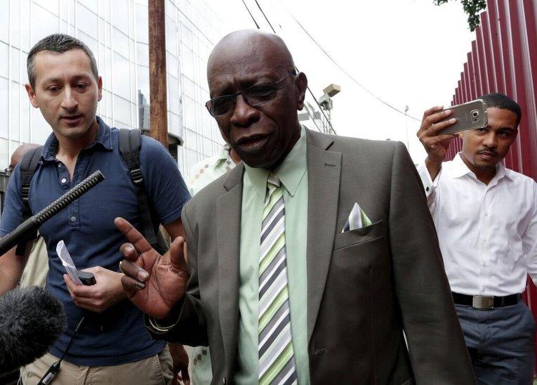 Экс-президент ФИФА Джек Уорнер, подозреваемый в коррупции, в Мировом суде в Порт-оф-Спейне (США)