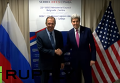 Лавров и Керри обменялись рукопожатиями перед началом двусторонней встречи