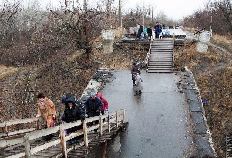 КПВВ «Станица Луганская» переходит на летний график работы