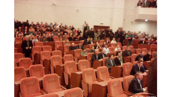 Сессия Днепропетровского городского совета, 4 декабря 2015 года