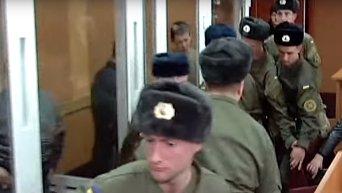Подсудимый по делу 2 мая в Одессе вскрыл себе вены в зале суда. Видео