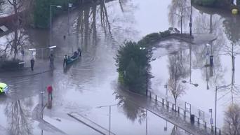 Последствия наводнения в Великобритании: вид с беспилотника. Видео