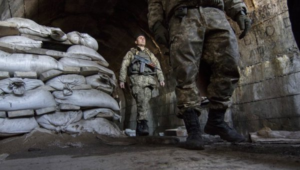 Бойцы ВСУ под Мариуполем