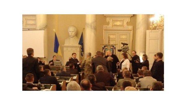 Потасовка в Львовском областном совете