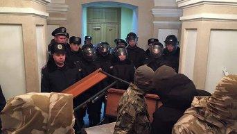 Блокирование Правым сектором Апелляционного суда в Кировограде. Архивное фото