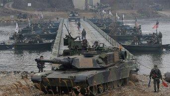 Американские военные участвуют в учениях вооруженных сил США и Южной Кореи. Архивное фото