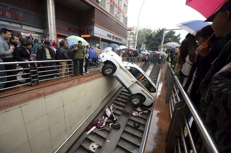 Авария в Китае.