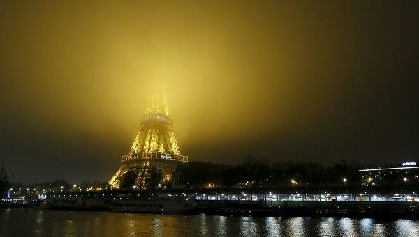 Встолице франции открыли парк для нудистов
