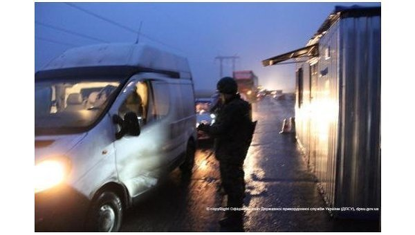 Контрольный пункт въезда/выезда Марьинка в Донбассе