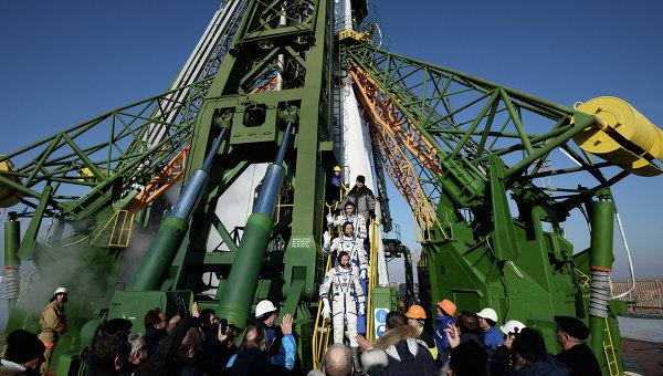 Старт космического корабля  космодрома Байконур. Архивное фото