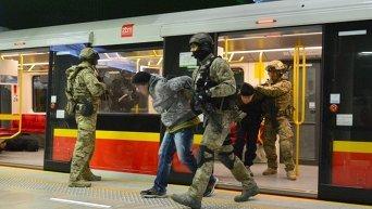 Тактические учения полиции в метро