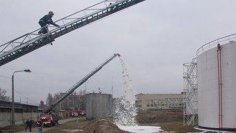 Учения пожарных и спасателей в столичном аэропорту Киев
