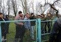 В Ровенской области представители УПЦ МП и КП заблокировали церковь