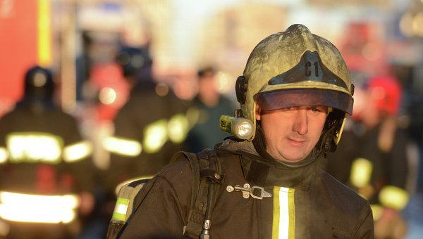 Пожарный в РФ. Архивное фото