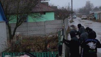 В Краснокутске Харьковской области коктейлями Молотова были забросаны дома, где живут работники правоохранительных органов