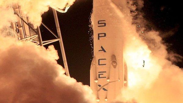Старт ракеты Falcon 9 с космодрома во Флориде. Архивное фото