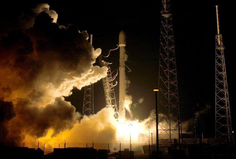 Старт ракеты Falcon 9 с космодрома во Флориде