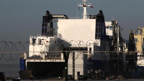 Корабль, на котором находятся дислоцировавшиеся ранее в Турции ЗРК Patriot, принадлежащие Германии. Турецкий порт Искендерун
