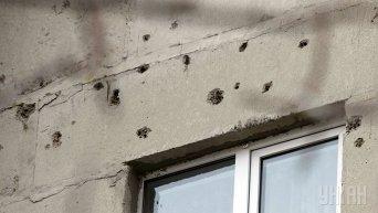 Последствия обстрелов в Донбассе