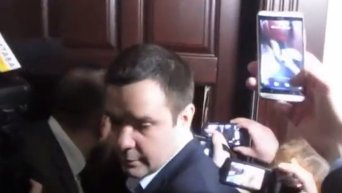 В Полтавском горсовете выбили дверь в кабинет мэра