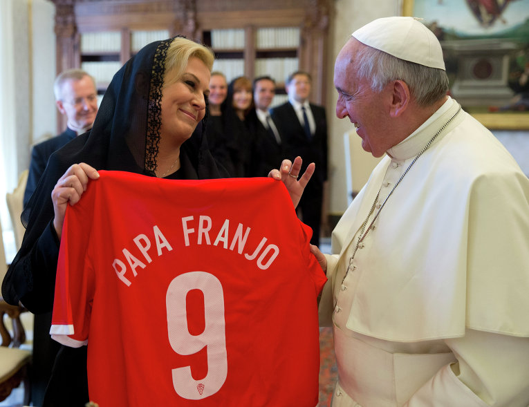 Президент Хорватии Колинда Грабар-Китарович публикует откровенные фото