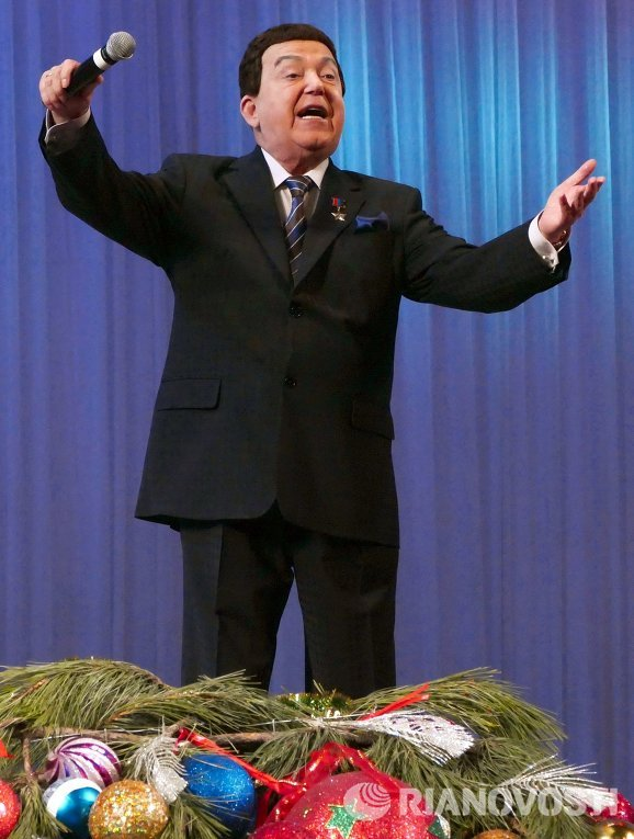 И. Кобзон выступил с новогодним концертом в Донецке