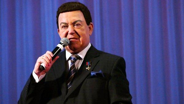 И. Кобзон выступил с концертом в Донецке. Архивное фото
