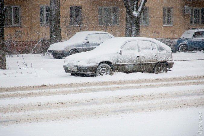 Последствия обильного снегопада в Одессе 5 января 2015 года