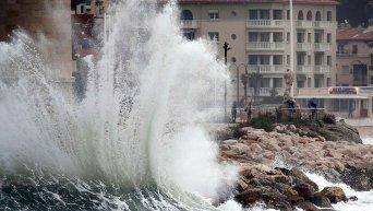 Штормовая погода на Средиземноморском побережьи Франции