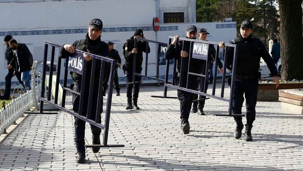 На месте теракта в Стамбуле
