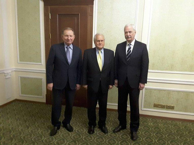 Леонид Кучма, Мартин Сайдик и Борис Грызлов на переговорах контактной группы в Минске